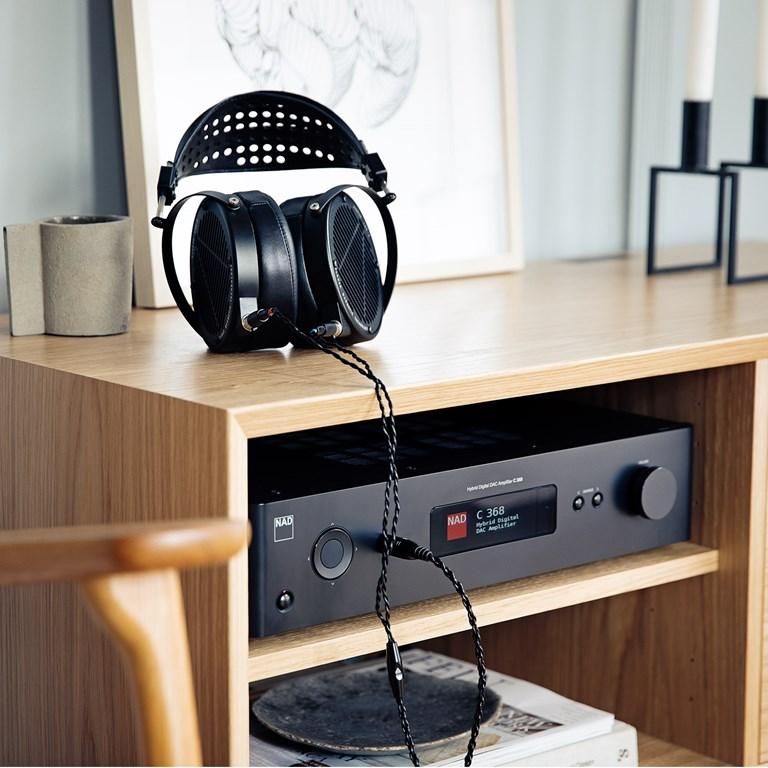 NAD C368 Forsterker med Bluetooth